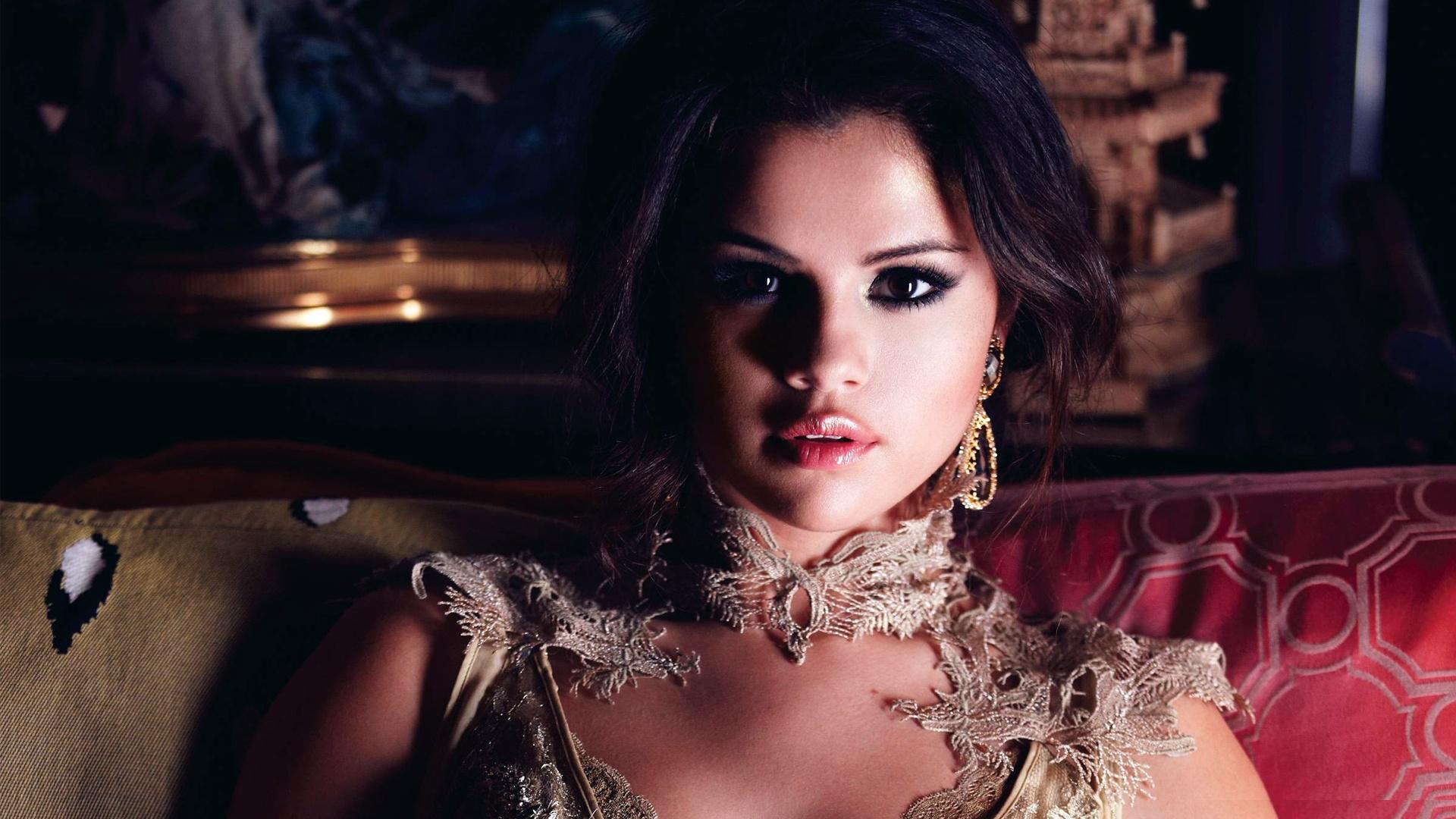 Selena Gomez Wallpapers1