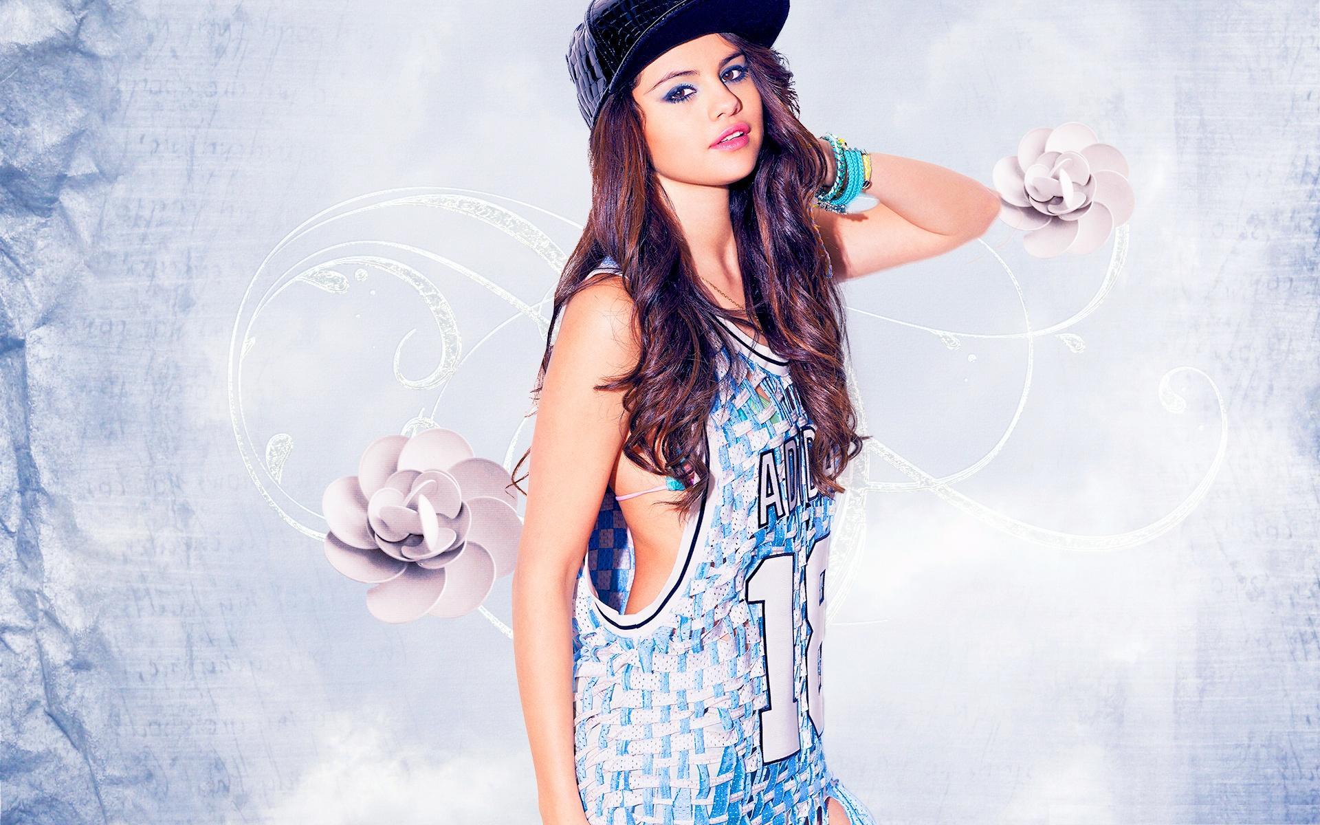 Selena Gomez cool