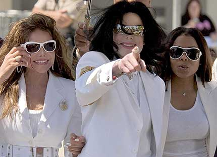 Michael Jackson with his sisters