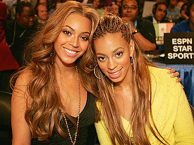 Beyonce Knowles with her sister Lanzy