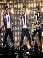 Bruno Mars singing and dancing picture