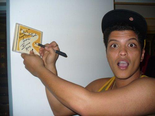 Bruno Mars Shirtless picture