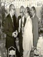 Ghulam Ishaq Khan talking to Sindh Club President