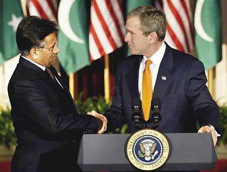 Pervez Musharraf with George Bush