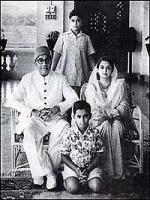Liaquat Ali Khan with family