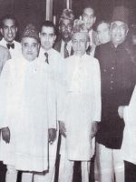 Khawaja Nazimuddin with other politicians