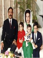 Benazir Bhutto with family