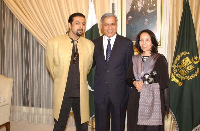 Shaukat Aziz with Salman Ahmad
