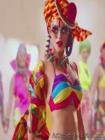 Sunny Leone Sexy Cleavage Photos