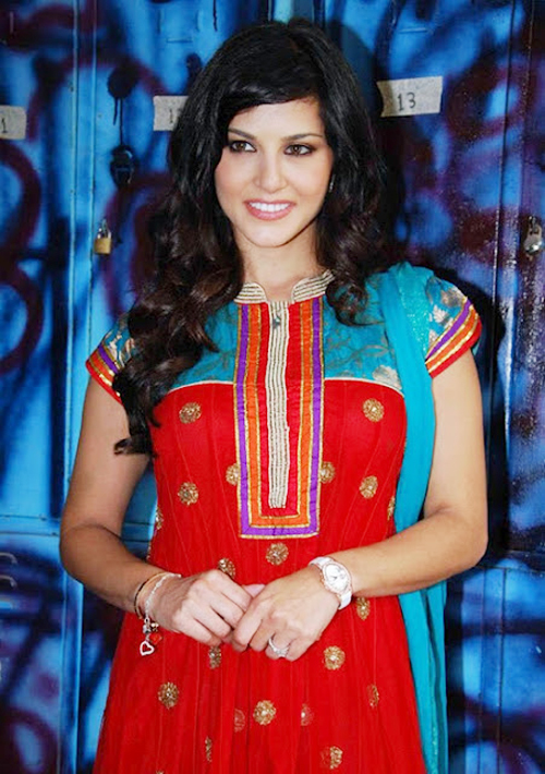 Sunny Looking Cute in Indian Dress