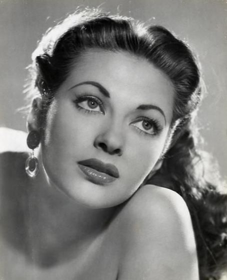 Yvonne DeCarlo HD Wallpapers