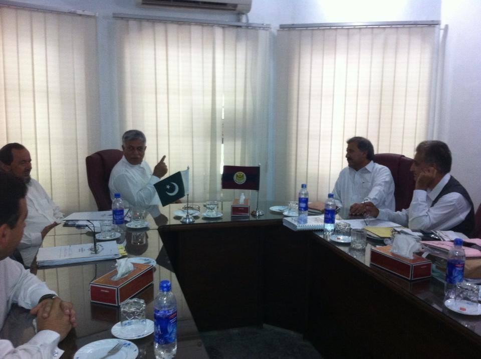 Engr. Hamid ul Haq meeting with VC Peshawer University