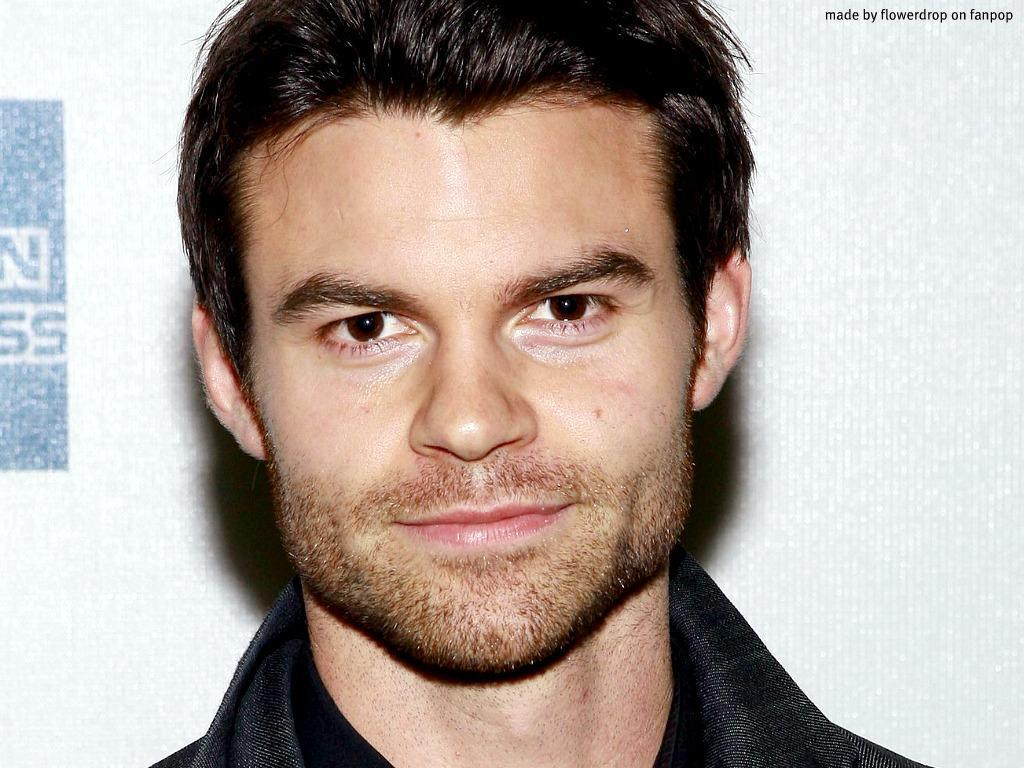 Daniel Gillies Latest Wallpaper