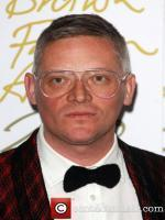 Giles Deacon Latest Wallpaper