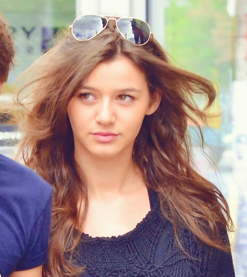 Eleanor Calder Latest Wallpaper