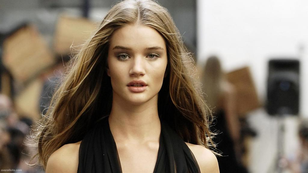 Rosie Huntington-Whiteley Latest Photo