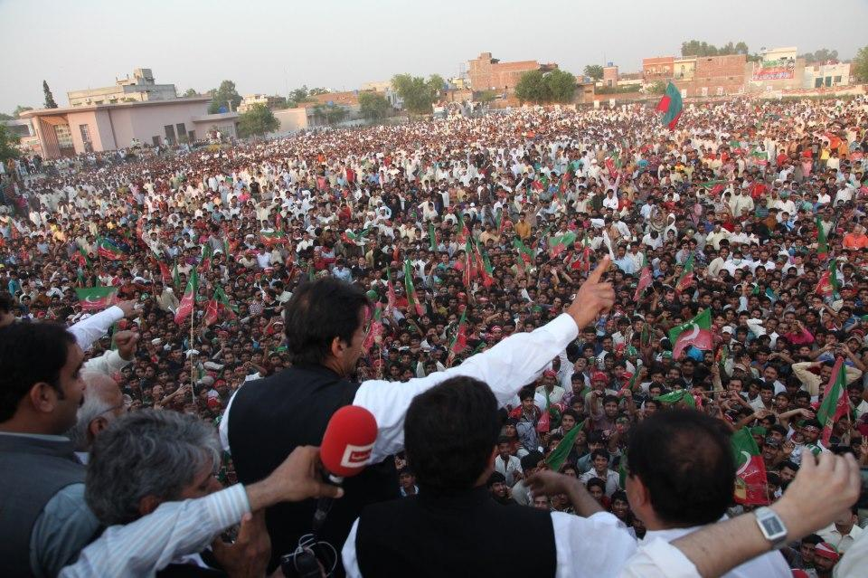 Delivering Speech at Sialkot Jalsa