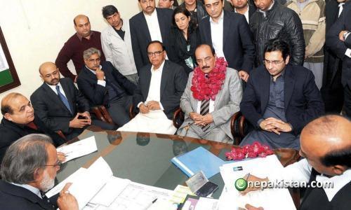 Muhammad Zain Elahi with party members