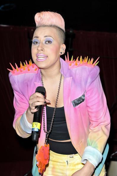 Courtney Rumbold HD Wallpapers