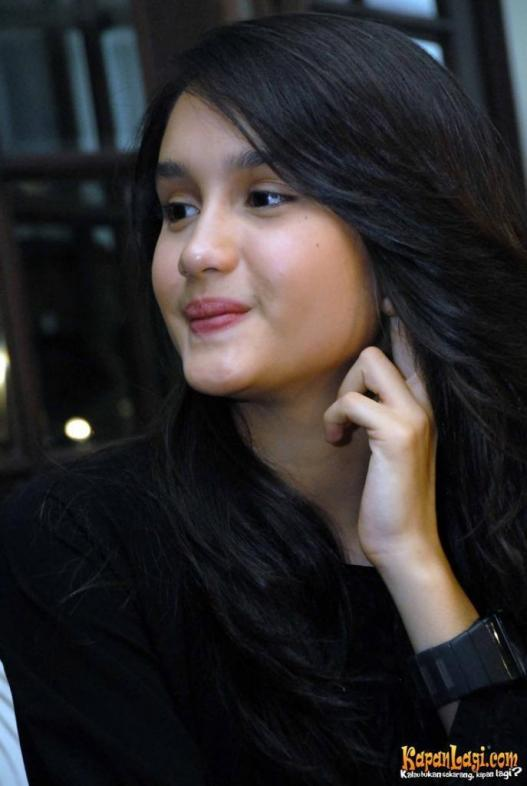 Cinta laura profile biodata updates and latest pictures for Mobel quakenbruck
