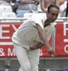 Mohammad Zahid bowling.jpg