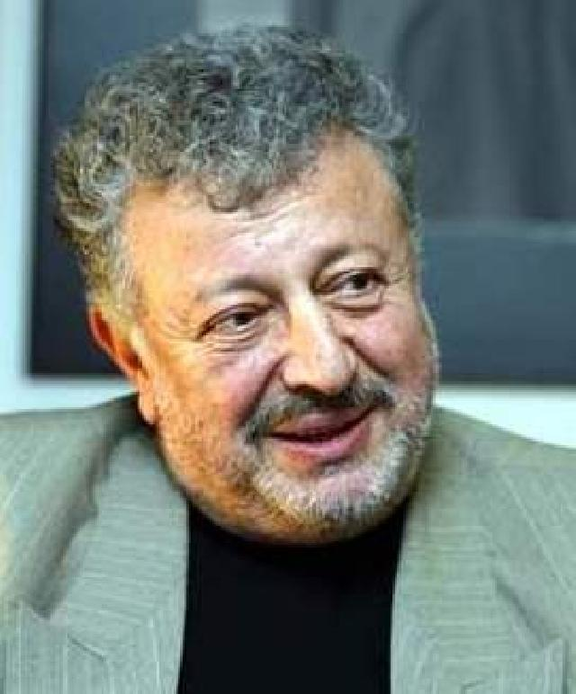 Metin Akpinar Net Worth