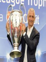 Fabrizio Ravanelli With Trophy