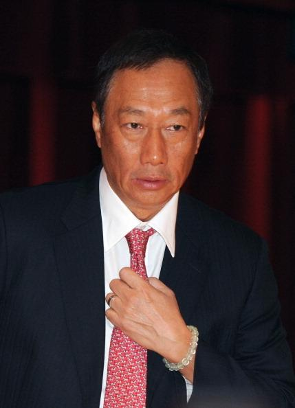 terry gou the founder of hon hai Taiwanese tycoon terry gou, founder of foxconn  despite hon hai's weak first-quarter showing, gou said he expected the group to be able to reach its revenue.