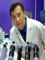 Steve Hsu in Lab