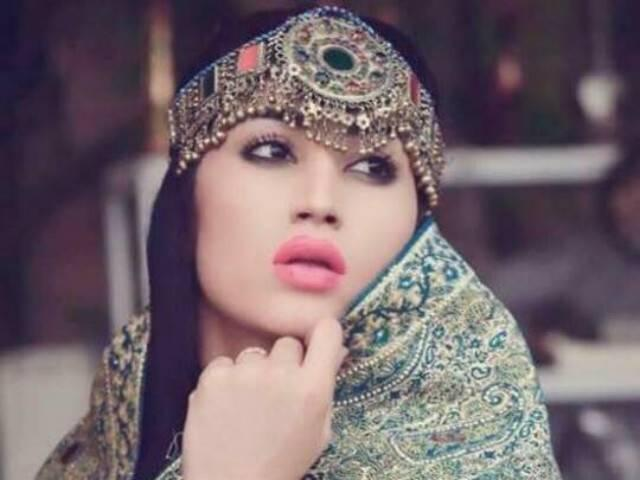 Qandeel Baloch strangled to death by brother in suspected honour killi