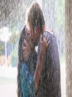 Kiss of Tanishtha Chatterjee and Brett Lee