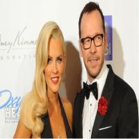Jenny McCarthy and Donnie Wahlberg got engaged