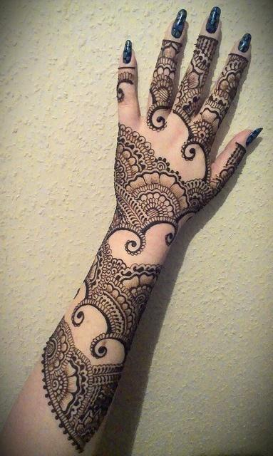 Mehndi designs simply brighten uo our day! Here are some mehndi design