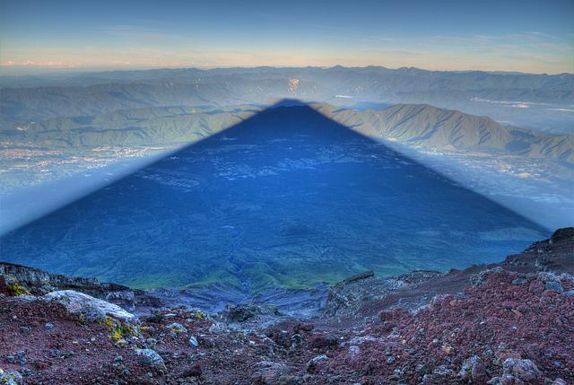 I climbed Mt. Fuji 4 times, and the final time I had a clear sky at su