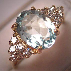Vintage Aquamarine and Diamond Ring