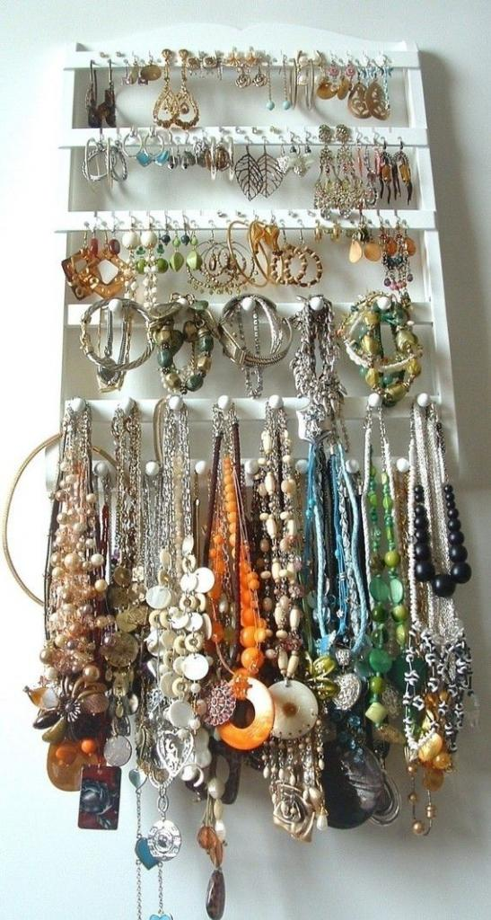 Elegant WHITE Jewelry Holder Earring Organizer Combo with 20 Jewelry P