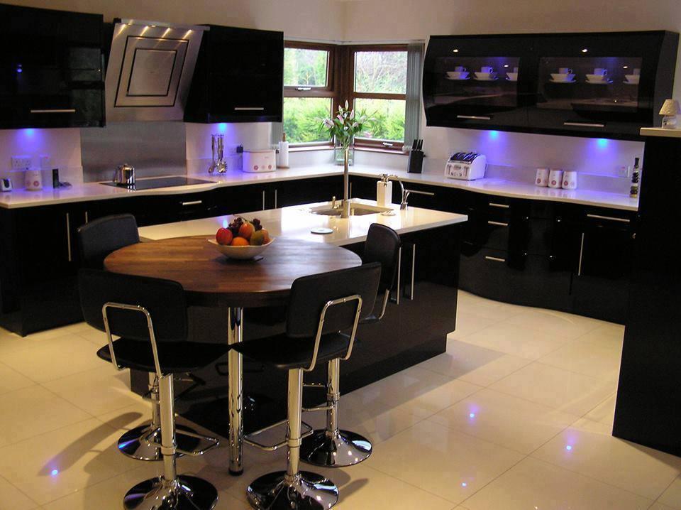 Black Kitchen Design... what about a black kitchen?