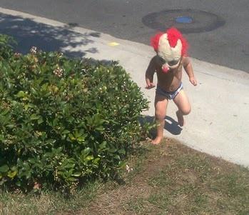 Midget clown! Joy!