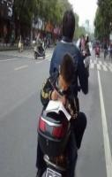 kid_studying_on_bike