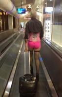 PHL Airport He Is So Nice To Guys ---- hilarious jokes funny pictures