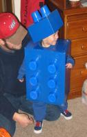cardboard box + solo cups = lego costume...unreal - too cute!!!