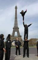 Eiffel tower Amazing Stunt