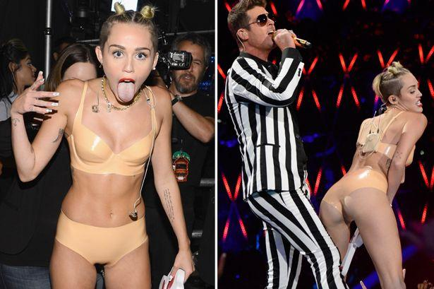 Miley Cyrus Pictures in MTV 2013 VMA