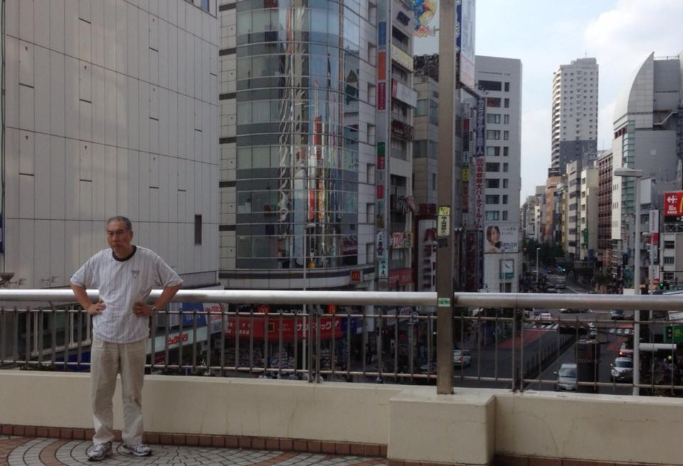 Wanted to ask this man in Tokyo to take my photo, but only knew the wo