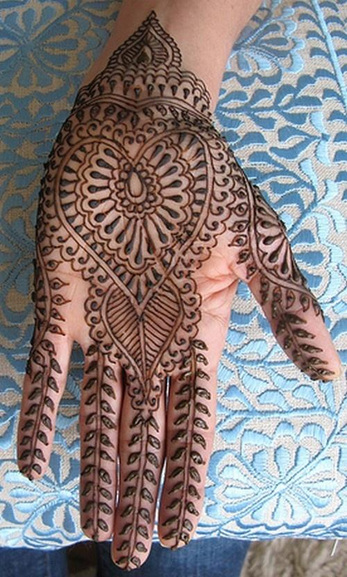 heart Mehndi design