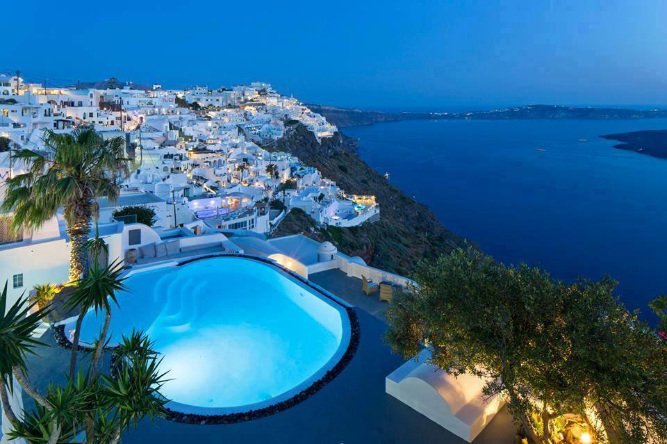 Amazing Escapes in Santorini