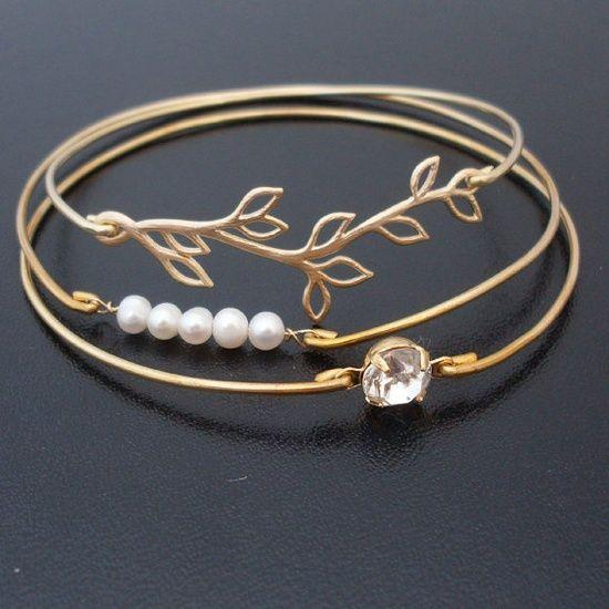 This is so pretty! Love it's simplicity!! bracelet