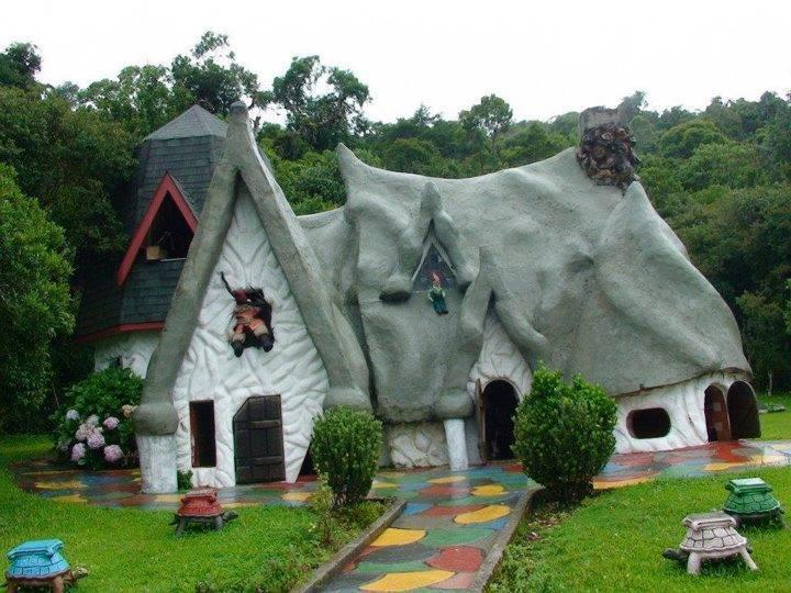 6 Most Beautiful and Unique Fairy Tale cottages
