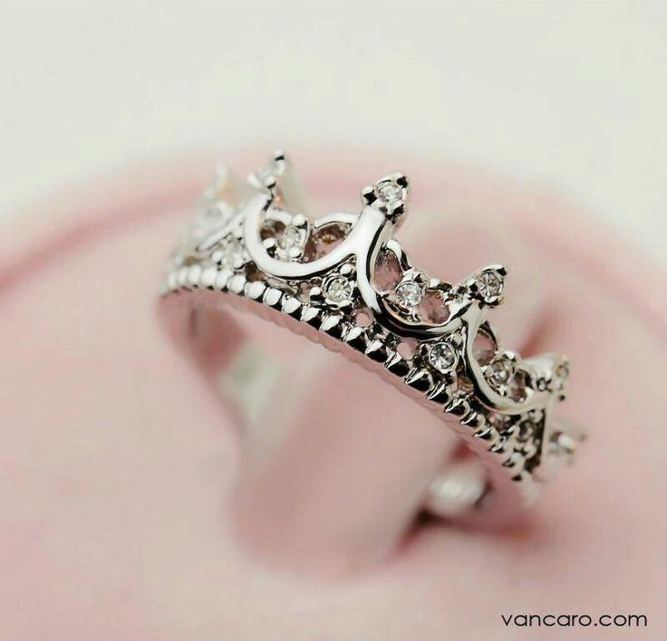 Love this ring. Can't walk around with a crown on my head might as we