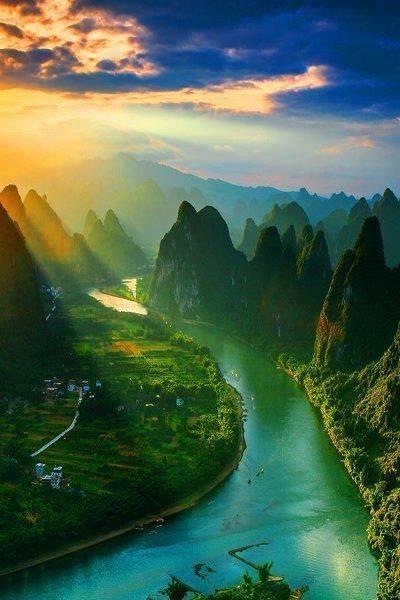 Mount Xiang Gong, Guilin, China... what an amazing view!